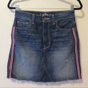 Hollister Jean Skirt Red Blue Stripes w 26 size 3